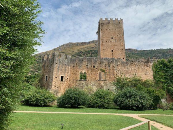 castle ninfa