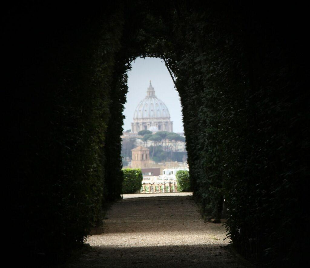 hole rome
